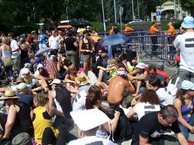 Beengedésre várunk U2 koncert előtt