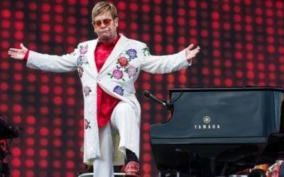 Elton John – Több mint 300 állomásos turnéval búcsúzik a sztárénekes