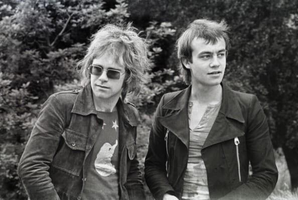 Elton John – Több mint 300 állomásos turnéval búcsúzik